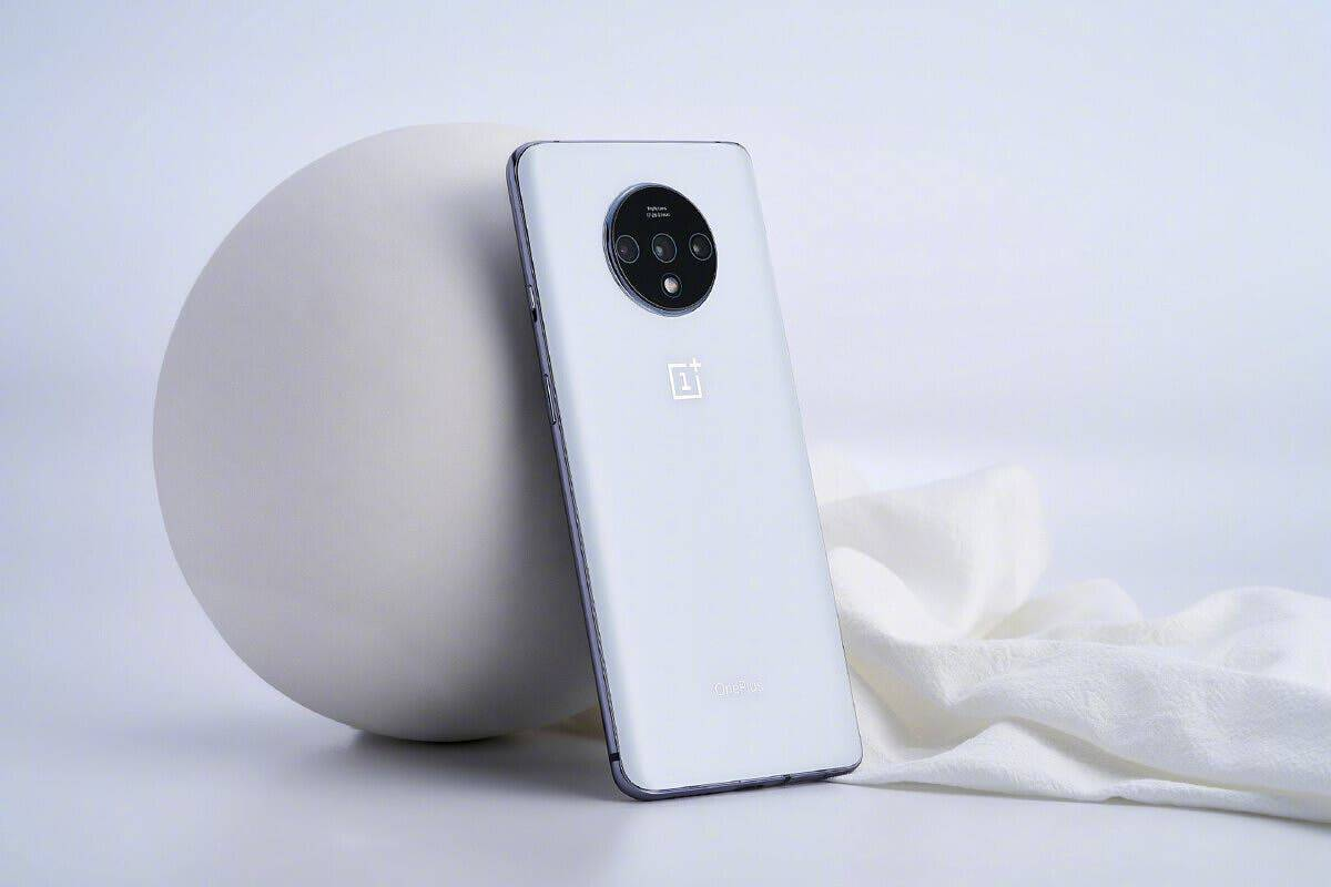 OnePlus 7 і OnePlus 7T отримають оновленя за січень 2021 р