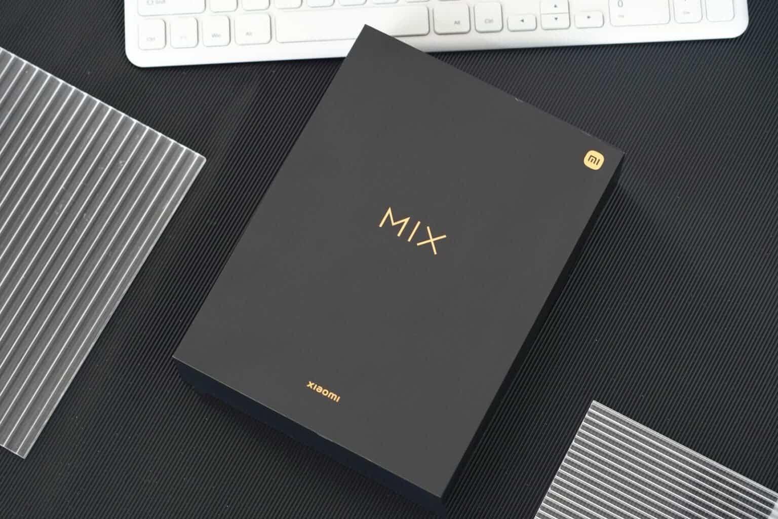 Перший погляд на Xiaomi Mi MIX 4: Розпакування флагмана